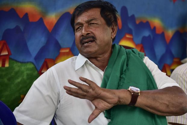 Farmer leader, MLA Puttannaiah dies at 69