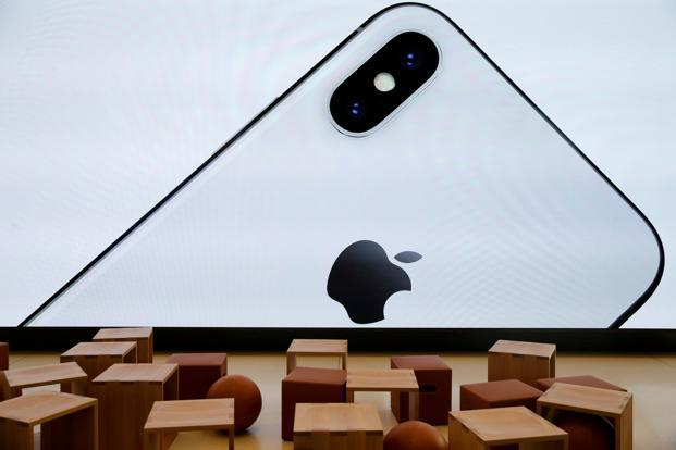 Here's why Apple's iPhone X sales are affecting Samsung