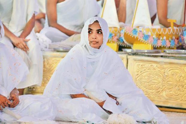 A young 'sadhvi' waits. Photo: Aniruddha Chowdhury/Mint
