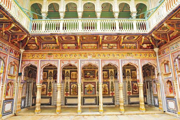 The Podar Haveli in Nawalgarh has colourful wall paintings. Photo: iStockphoto