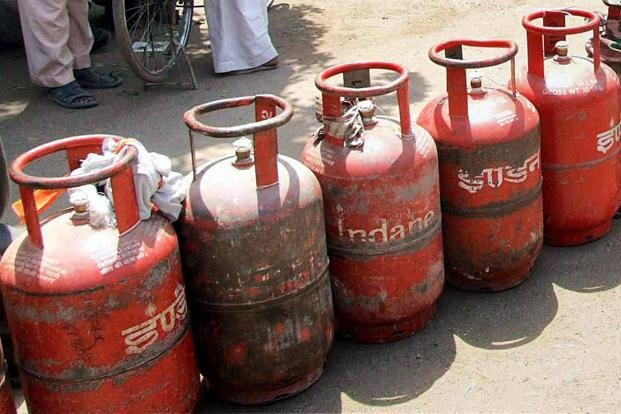 The govt's plan to provide 50 million free LPG connections under Pradhan Mantri Ujjwala Yojana may prove helpful in tackling TB. Photo: PTI