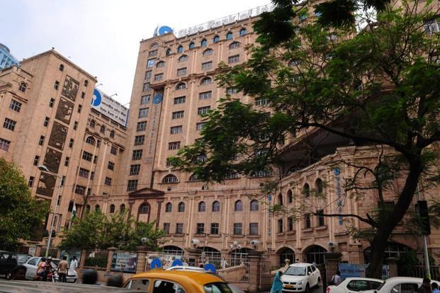 SBI has asked the bidders to submit expression of interest by 9 March 2018 and further to complete the due diligence by 22 March. Photo: Indranil Bhoumik/Mint