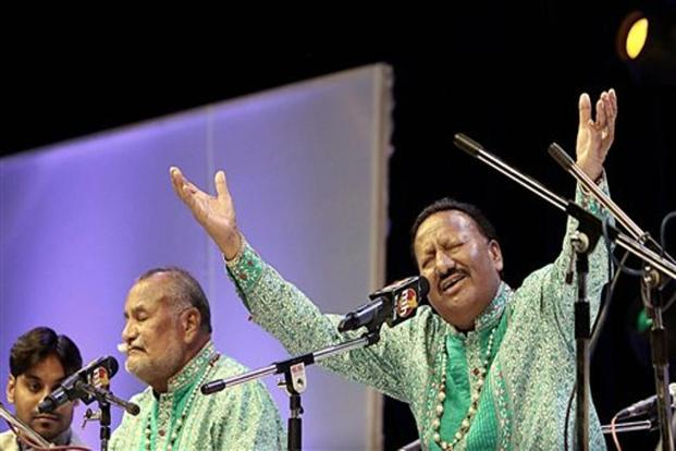 A file photo of Wadali Brothers Pyarelal Wadali (right) and Puranchand Wadali performing at Siri Fort Auditorium in New Delhi. Ustad Pyarelal Wadali died in Amritsar on Friday morning. Photo: PTI