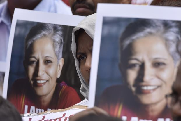 People stage a protest against the killing of senior journalist Gauri Lankesh at Town hall in Bengaluru. The tests will have to be conducted at the forensic sciences laboratory (FSL) in Gandhinagar, Gujarat. Photo: Arijit Sen/Hindustan Times