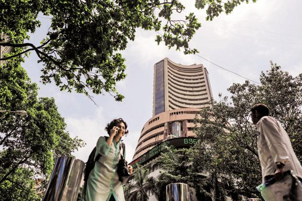 Global cues, banks stocks push equity indices higher