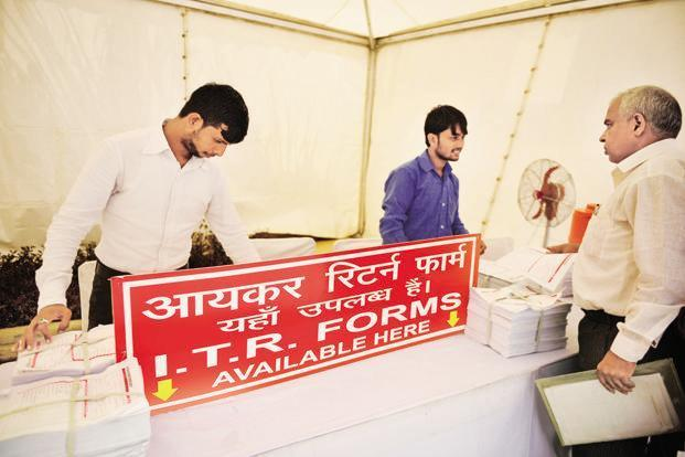 The last date for filing the ITR is 31 July. Photo: Pradeep Gaur/Mint