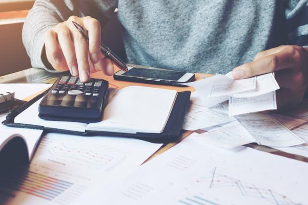 Most salaried individuals will have an income with the following components—basic salary, allowances, reimbursements, bonus and contributions. Photo: iStockphoto