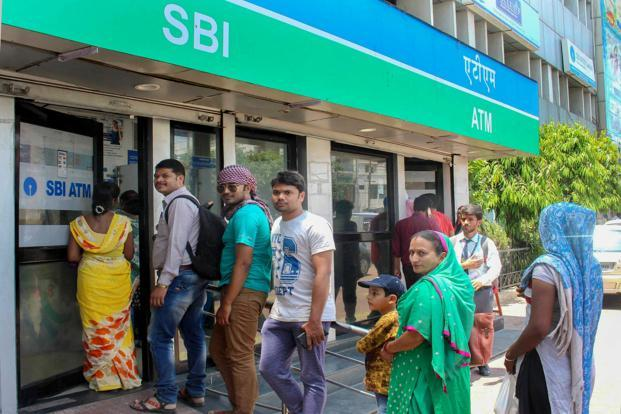 Cash crunch: Govt blames 'unusual demands', says nothing to worry