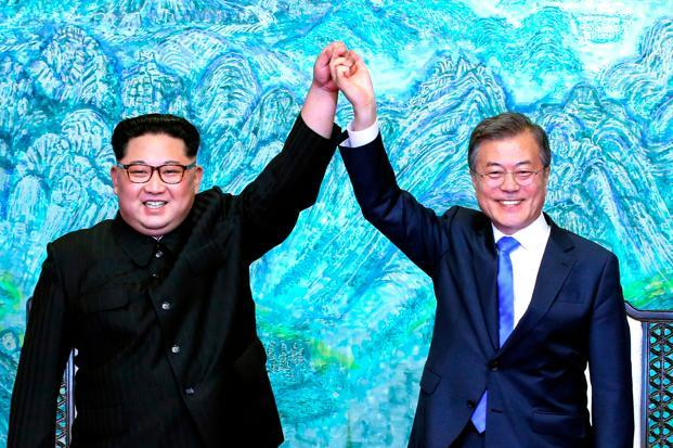 The meeting between Kim Jong Un and South Korean President Moon Jae-in produced a day of dramatic images and a sweeping declaration of goodwill.Photo: AP