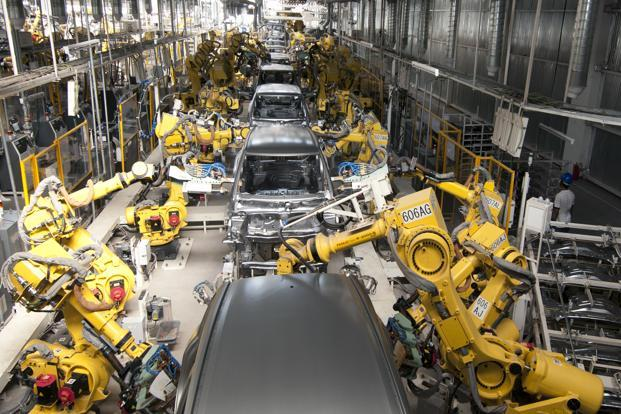Leading car manufacturer Maruti Suzuki India Ltd now has one robot for almost every four workers —it deploys some 5,000 robots at their Manesar and Gurgaon plants. Photo: Ramesh Pathania/Mint