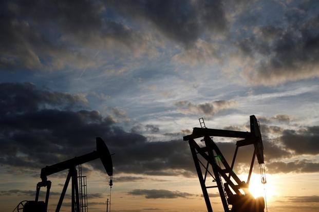 U.S.  crude oil inventories decrease in week to May 4
