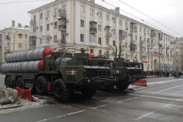 India has watched with trepidation as Russia supplies Beijing—and Beijing supplies Pakistan—with more sophisticated weaponry. Above, Russian S-400 air-defence systems during a military parade in Volgograd. Photo: Reuters