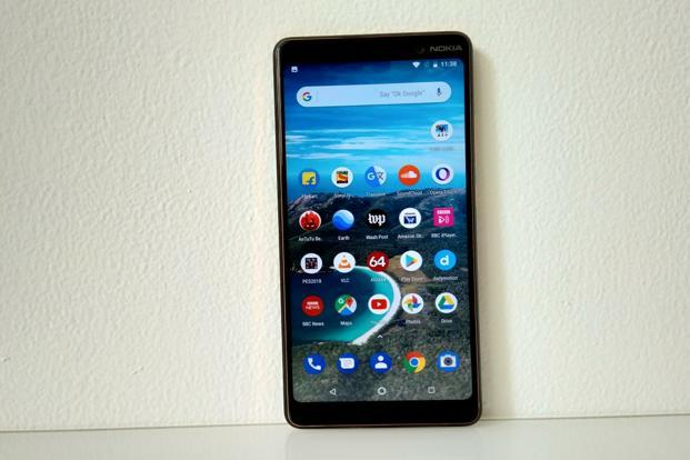 After the flagship Nokia 8 Sirocco and the affordable Nokia 6.1, HMD Global is now eying buyers in the mid-segment with the Nokia 7 Plus.