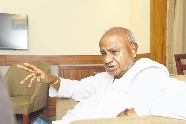 In Karnataka election, JD(S) chief Deve Gowda used the help of RSS cadres to emerge with 37 seats, and then went back and allied with the Congress. Photo: Hemant Mishra/Mint