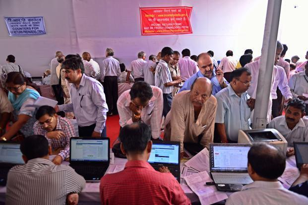 The new ITR forms mandate the salaried class assesses to provide their salary breakup, and businessmen their GST number and turnover. Photo: Pradeep Gaur/Mint