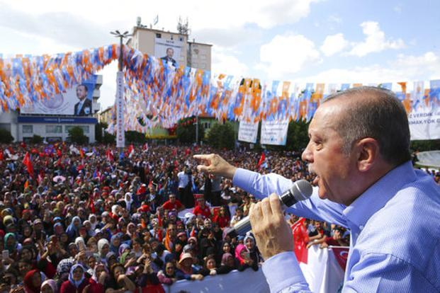 Most polls show the Turkish President Recep Tayyip Erdogan far ahead of rivals but short of the 50% needed for a first-round win—opening the way for a risky runoff. Photo: AP