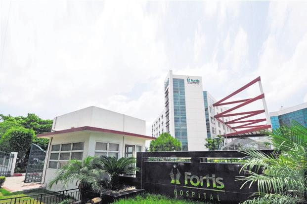 The unpaid dues that came forth during due diligence could cast a shadow on Fortis Healthcare's valuation, which was pegged earlier by TPG-Manipal at ₹180 per share. Photo: Ramesh Pathania/Mint