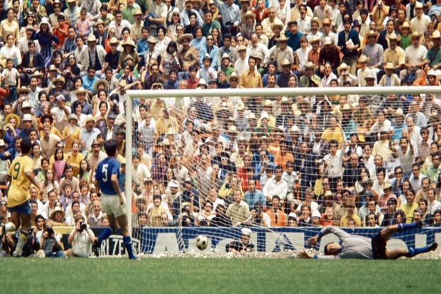 Carlos Alberto scores to make it 4-1 against Italy in the 170 World Cup final. Photo: Getty Images