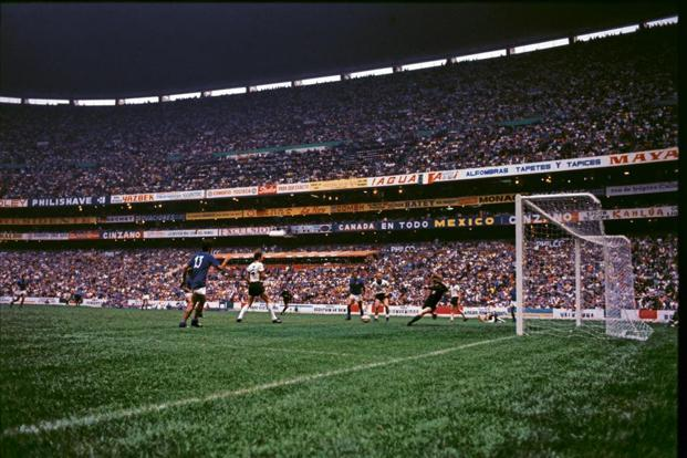 Gianni Rivera about to settle the 'Game of the Century' at the Azteca. Photo: Getty Images