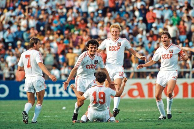 Igor Belanov celebrates his second goal against Belgium in 1986. Photo: Getty Images