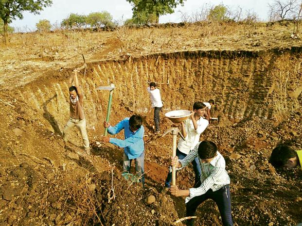 Paani Foundation in Maharashtra trains people in watershed development. Photo: Paani Foundation
