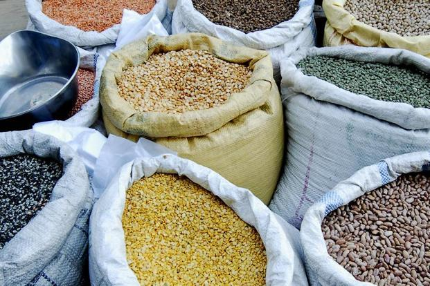 While Nafed purchased about 4.4 million tonnes of pulses grown by farmers in 2017-18, procurement of oilseeds at support prices were at 1.97 million tonnes or 6.4% of the estimated production. Photo: Mint