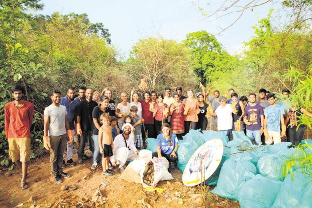 A clean-up drive organized by the Aware Citizens of Assagao group. Photo: Forca Goa Foundation