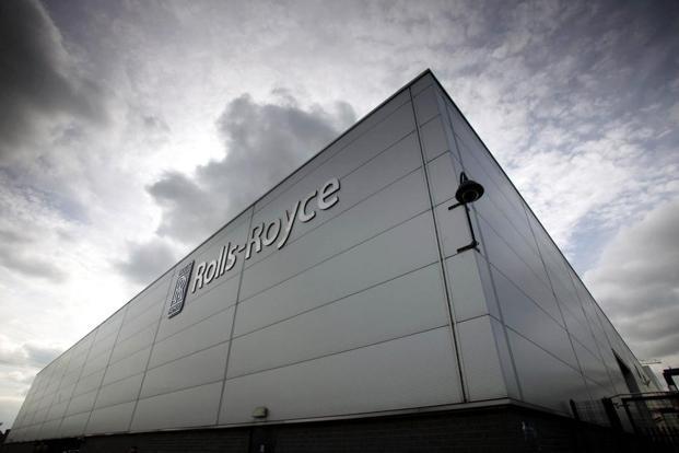 Rolls-Royce unveils hybrid 'flying taxi' at Farnborough ...