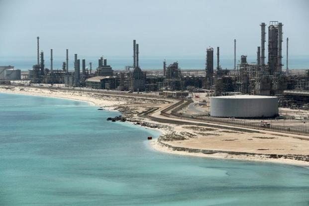 Saudi resumes Red sea shipments