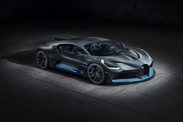 The Divo maintains the enormous 8 liter, 1,500 hp 16-cylinder engine. Photo: Bloomberg