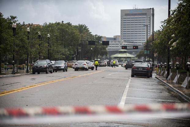 Police barricade a street near Jacksonville Landing in Jacksonville, Florida. Photo: AP