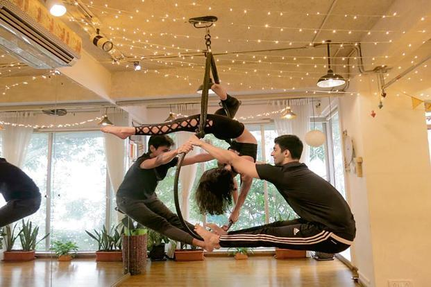 An aerial hoop workshop by Aashna Mansharamani. Photo: Tanvi Mehra