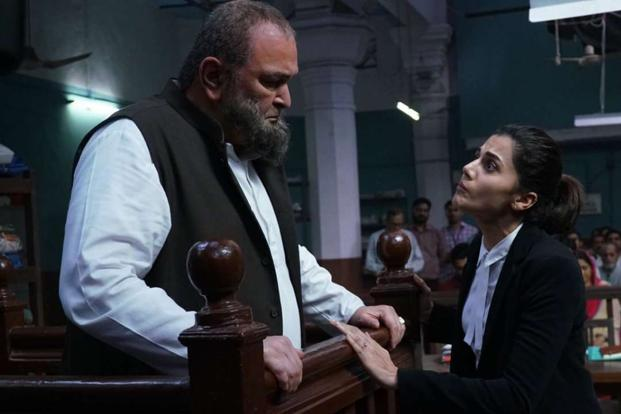 Taapsee Pannu with Rishi Kapoor in 'Mulk'.