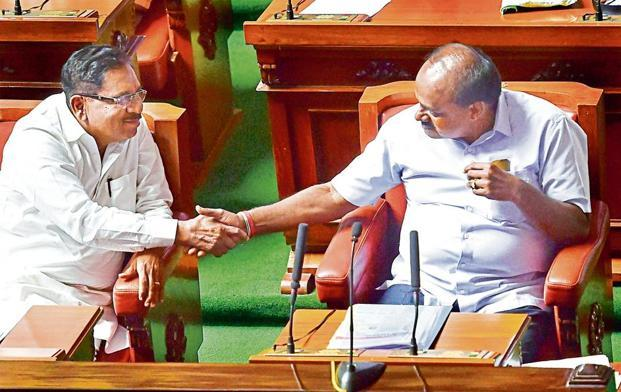 A file photo of Karnataka chief minister H. D. Kumaraswamy (right) with deputy CM G. Parameshwara.  Photo: Mint