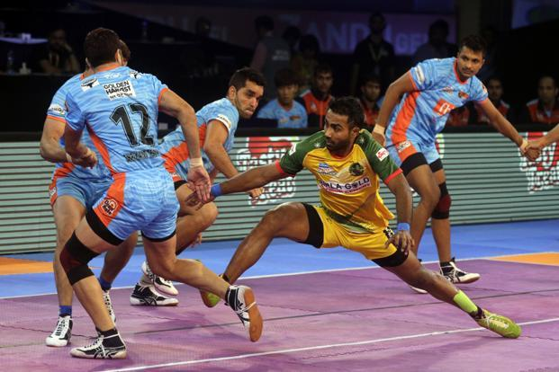 Former Patna Pirates raider Monu Goyat (in yellow and green) was the most expensive player at the auction ahead of Pro Kabbadi's season 6. Photo: AP