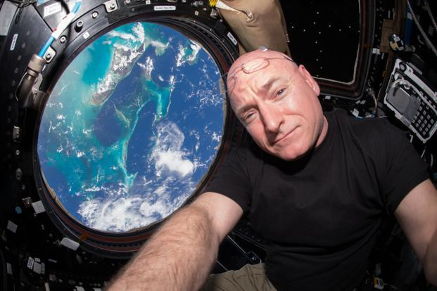 US astronaut Scott Kelly inside the ISS cupola. Photo: Reuters / NASA