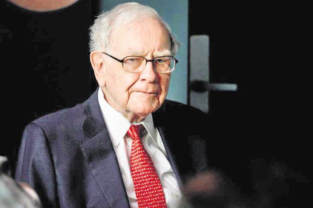 Warren Buffett picks up more stakes in JPMorgan, PNC