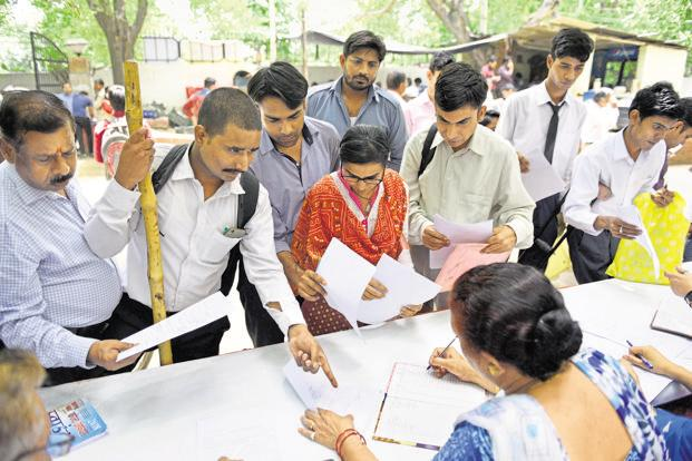 The EPFO jobs data has its limitations and suffers from duplication. A file photo of  job fair. Photo: Hindustan Times