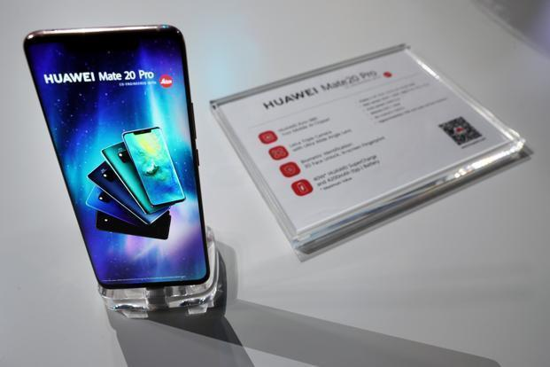 Huawei Mate 20 Pro features a 6.39-inch curved OLED QHD+ display with a notch. Photo: Reuters