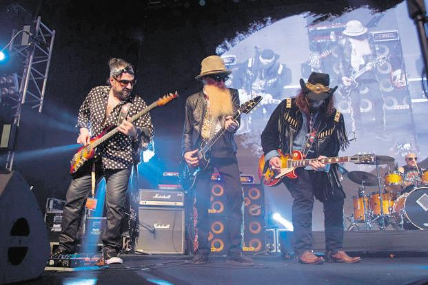 Supersonic Blues Machine with Billy Gibbons at the 2017 edition of Mahindra Blues.