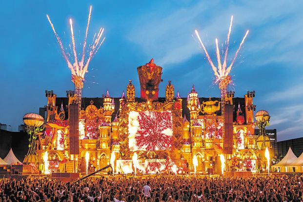 The elaborate stage design at last year's VH1 Supersonic festival in Pune.