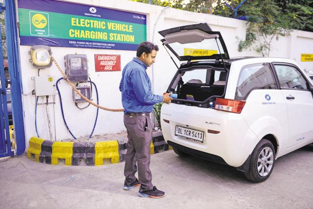 Batteries today cost up to 40% of the total cost of electric vehicles. Photo: Pradeep Gaur/Mint