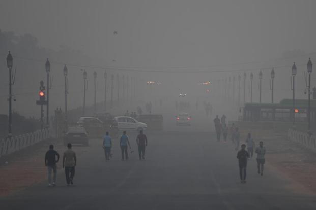 Delhi air quality 'very poor', weather conditions slightly favourable for pollutant dispersion