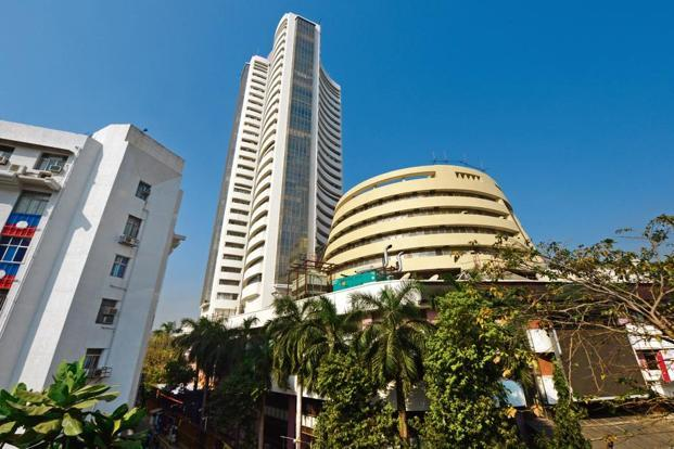 Liquidity situation in the market is expected to ease due to correction in crude oil prices and liquidity infusion by RBI. Photo: Abhijit Bhatlekar/Mint