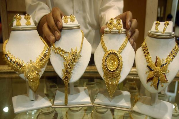 Gold Prices Rise For Fourth Day Hit Rs 33 000 Silver