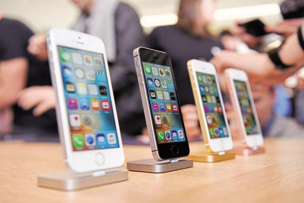The hike in customs duty on imported mobile phones to 20% will result in an increase in prices of handsets made by companies such as Apple Inc and Google by around 4%. Photo: Bloomberg